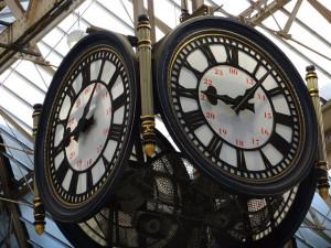 Public clock (oatsy40, Flickr)