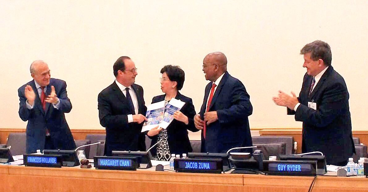 Ángel Gurría, Secretary-General OECD; Francois Hollande, President, France; Margaret Chan, Director-General, WHO; Jacob Zuma, President, South Africa; and Guy Ryder, Director-General, ILO at the launch of the commission's report, 20 September 2016, New York.